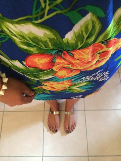 photo-lookbook-bracelet-chaussures-shoes-sandales-gold-jina-nails-robe-exotic-tropical-dress-réunion-île-974