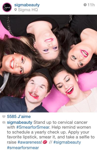 le-selfie-de-rita-ora-pour-la-campagne-smearforsmear-smearforsmear-hero-lipstick-cancer-campagne-campaign-instagram-star-georgia-may-jagger-sigma