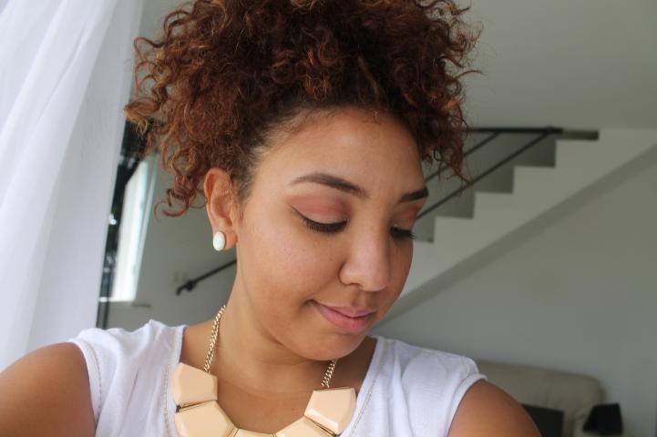 lookbook-blog-girl-fille-robe-blanc-île-réunion-974-sandales-nude-aldo-casio-montre-bracelet-gold-or-make-up-peach-necklace-collier
