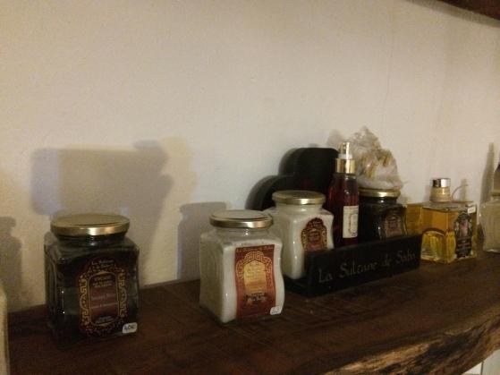 ongle-en-soi-réunion-974-soirée-filles-nails-art-girls-night-concept-shop-bougies-candles-cosy-produits-oriental-cremes-gommages