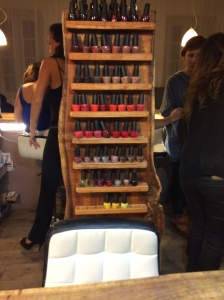 ongle-en-soi-réunion-974-soirée-filles-nails-art-girls-night-concept-shop-bougies-candles-cosy-bar-staff-OPI