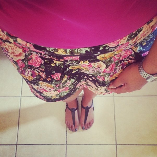 Lookbook-jupe-fleur-floral-liberty-casio-montre-silver-top-rose-pink-sandales-shoes-chaussures-jina
