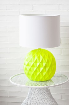 -zara-home-amazing-neon-and-white-pineapple-inspired-lamp-.